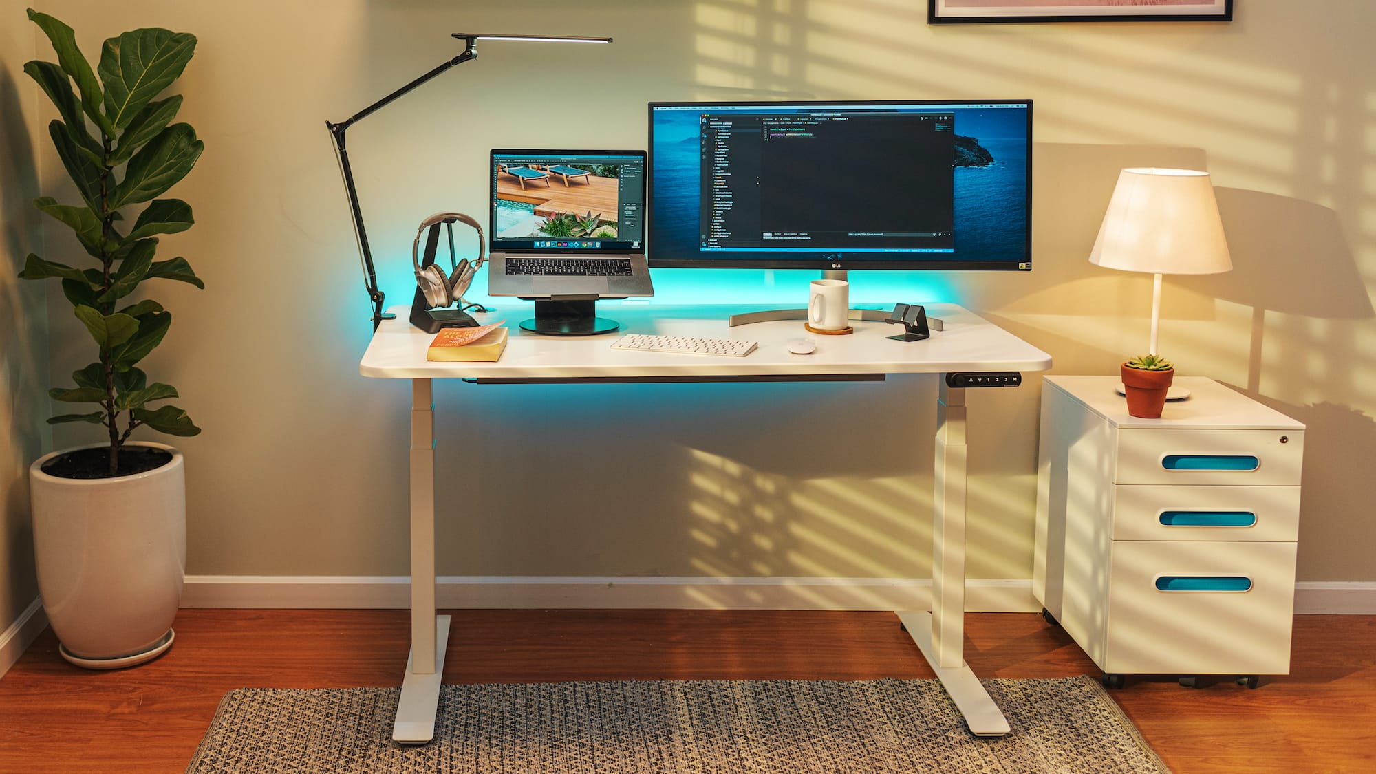 Autonomous SmartDesk 4 advanced standing desk revolutionizes your work routine