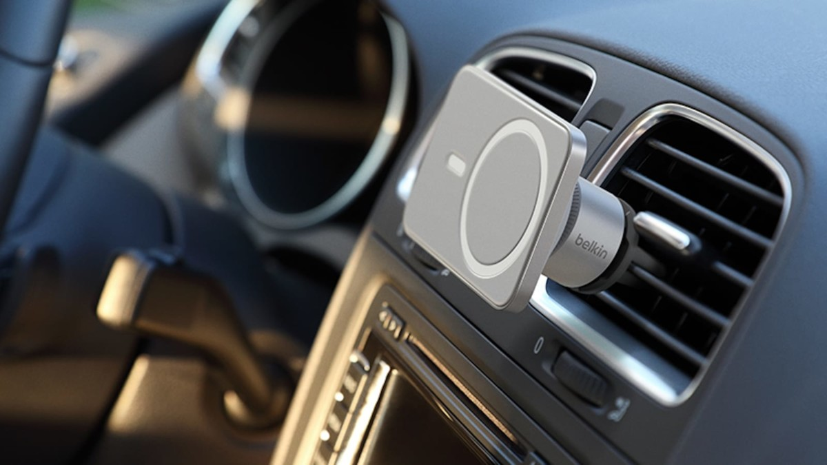 Belkin MagSafe Car Vent Mount PRO for iPhone 12 gives a seamless set-and-drive experience