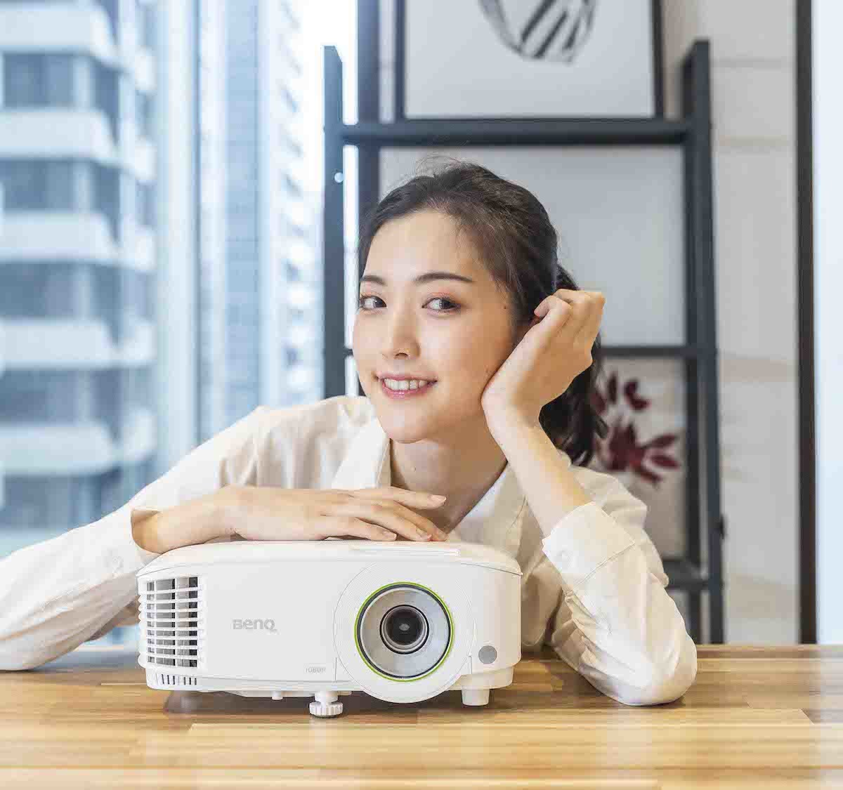BenQ EH600 wireless smart projector lets you project cord-free from your device