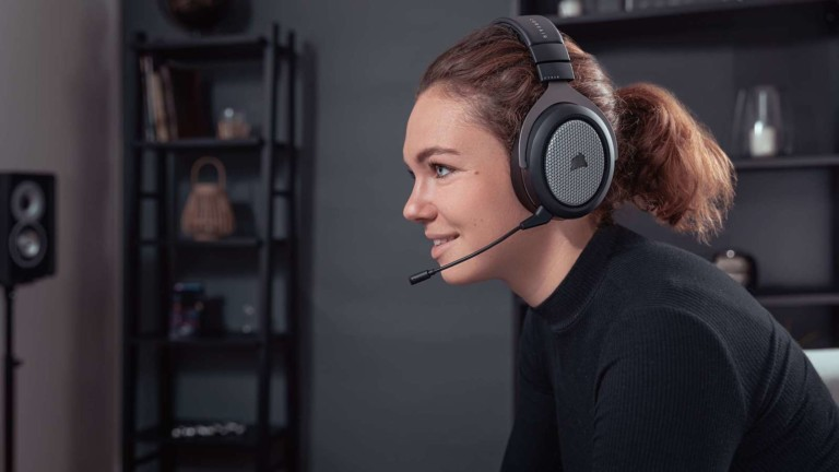CORSAIR HS75 XB wireless gaming headset features high-quality Dolby Atmos audio
