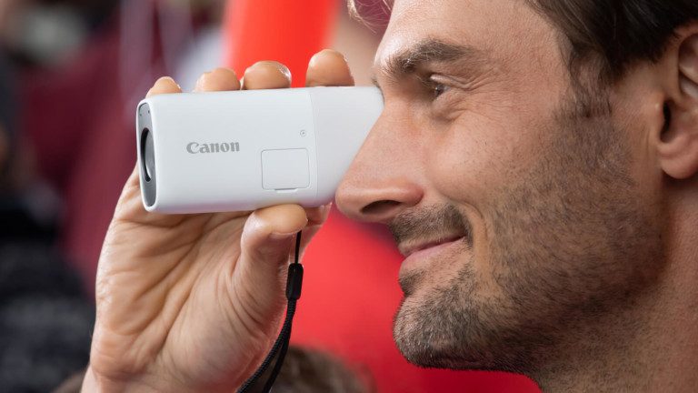 Canon PowerShot ZOOM compact telephoto monocular lets you see sights clearly