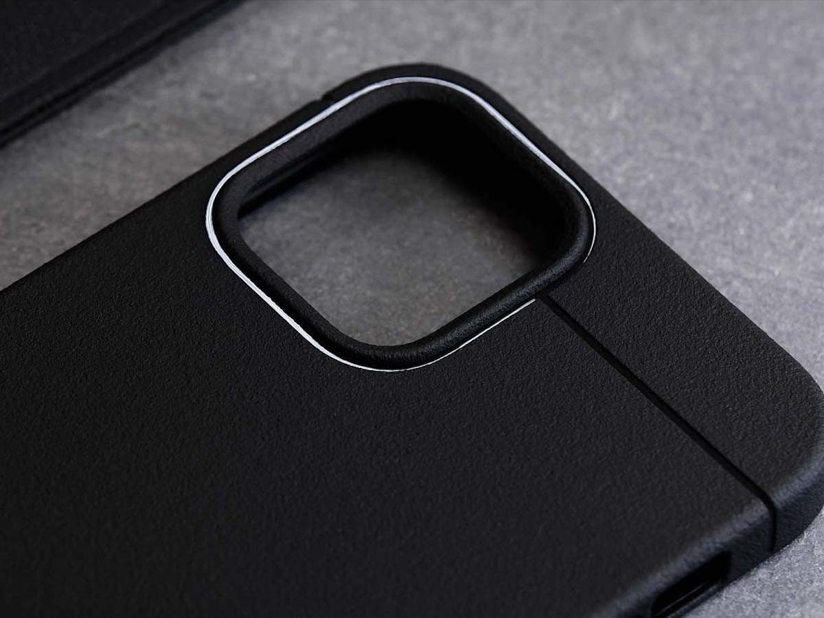 Caudabe Sheath iPhone 12 Pro case has a minimal, shock-absorbing design