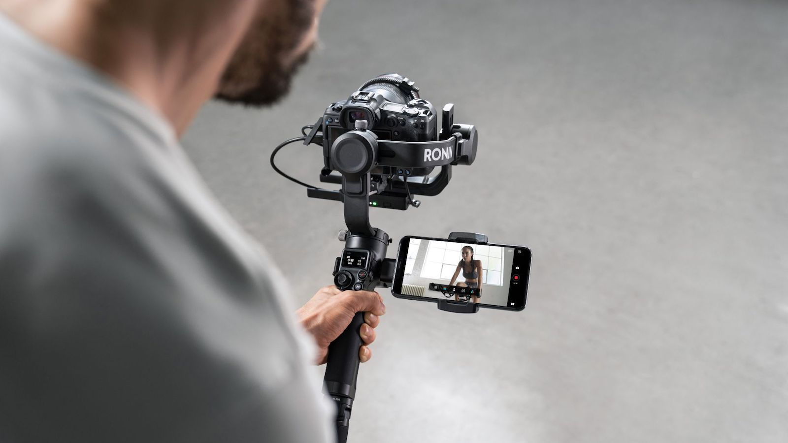DJI RSC 2 compact camera stabilizer has a foldable design and intuitive features
