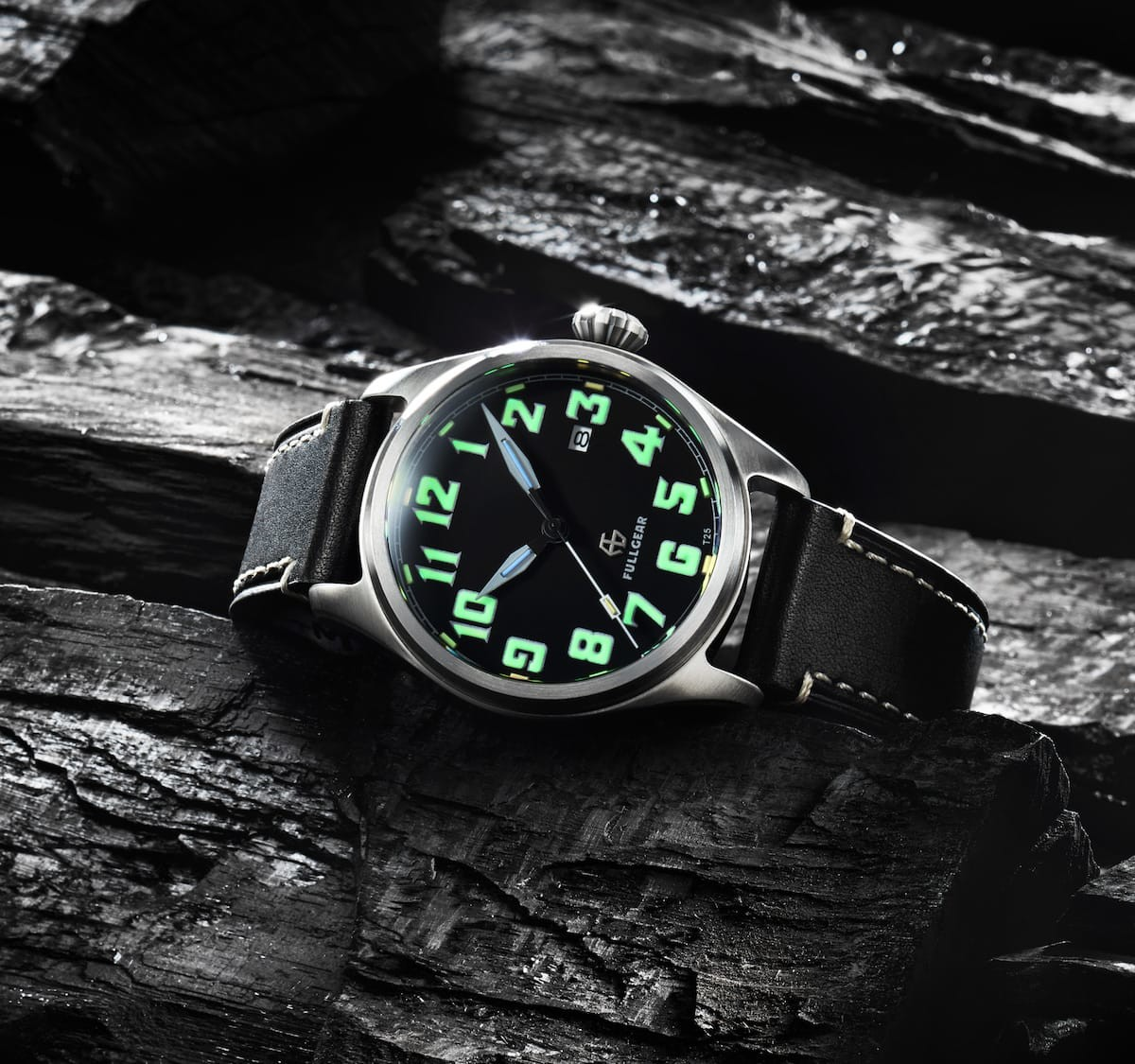 FullGear customizable tritium watch lets you forge an all-the-time glowing timepiece