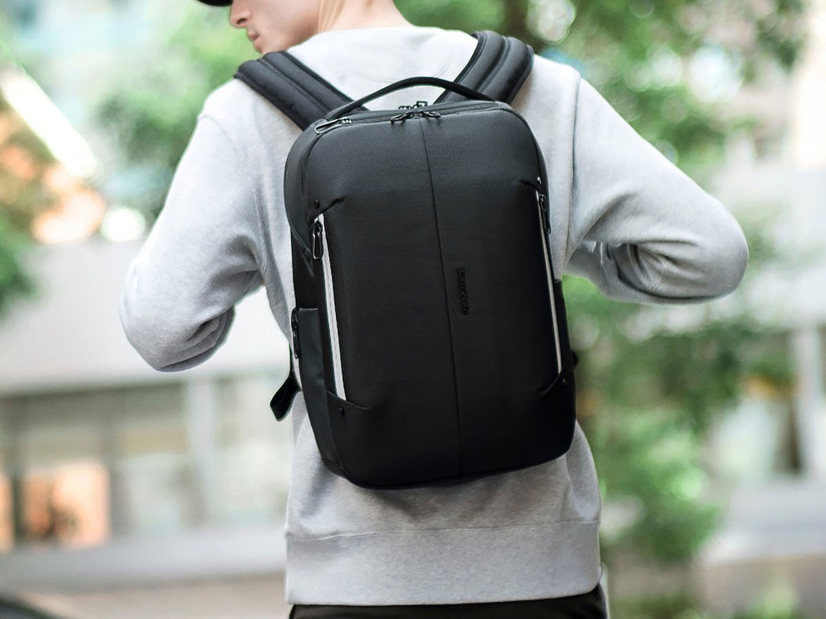 Google & Samsonite Konnect-i smart backpack collection features an interactive strap
