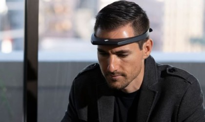 Hapbee Emotional Control Wearable