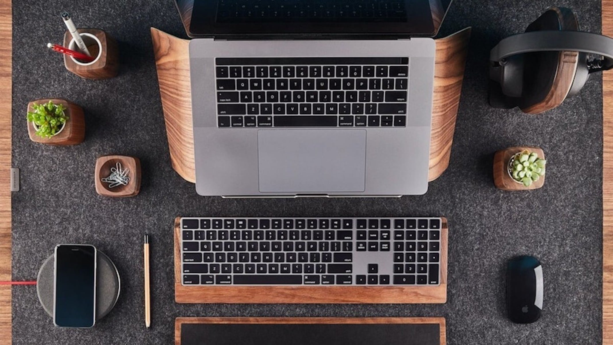 Holiday gift guide for small WFH spaces