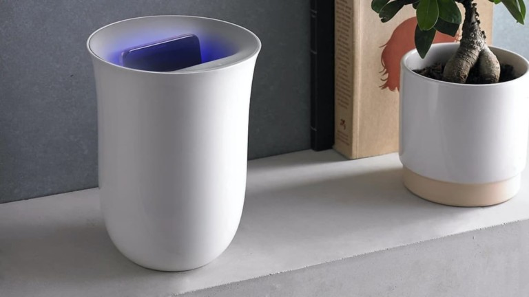 Lexon Oblio Sanitizing Wireless Charger