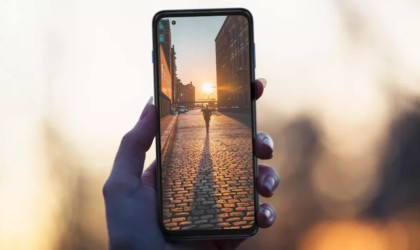 Motorola Moto G 5G Plus Affordable Phone