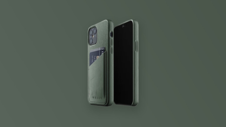 Mujjo iPhone 12 & 12 Pro pouch cover has a slot for a credit card