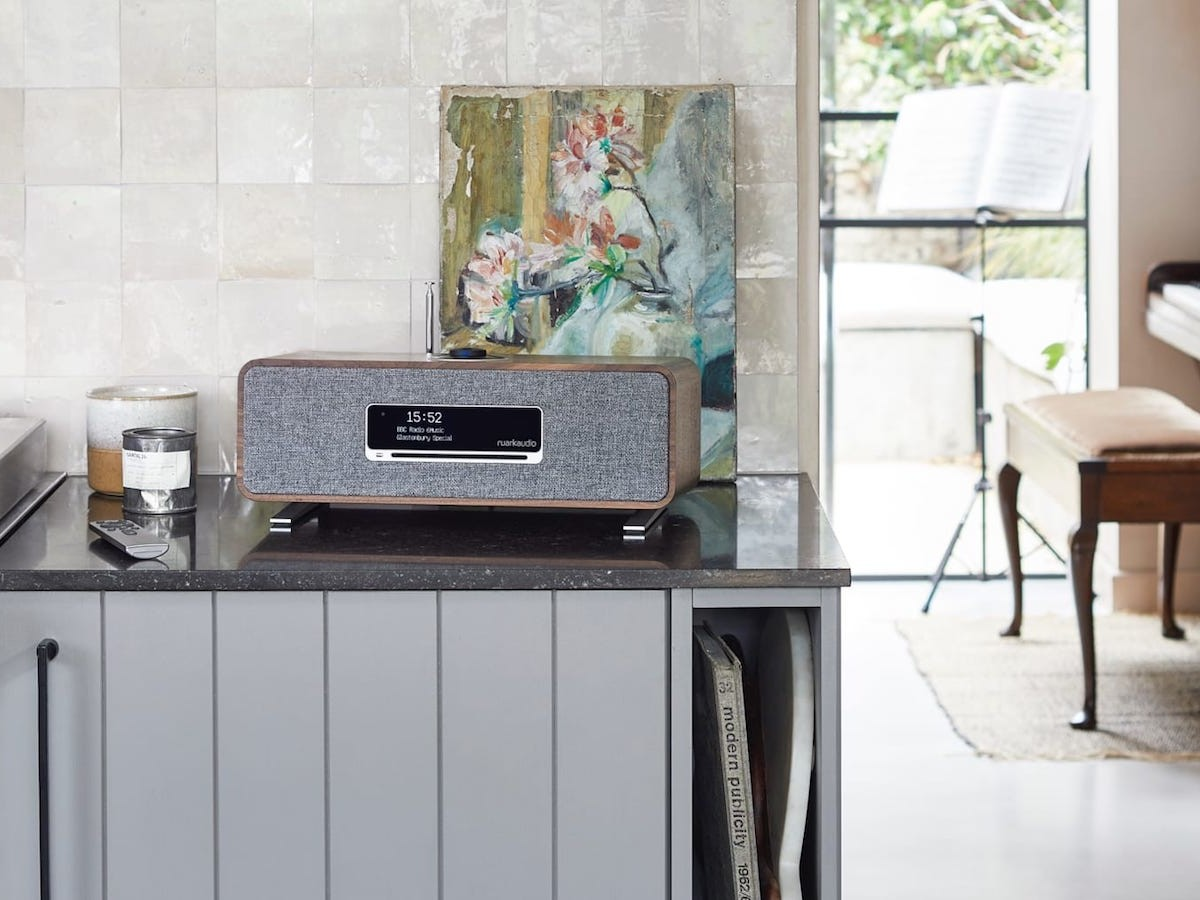 Ruark Audio R3 compact music system has a retro design and delivers enhanced stereo sound