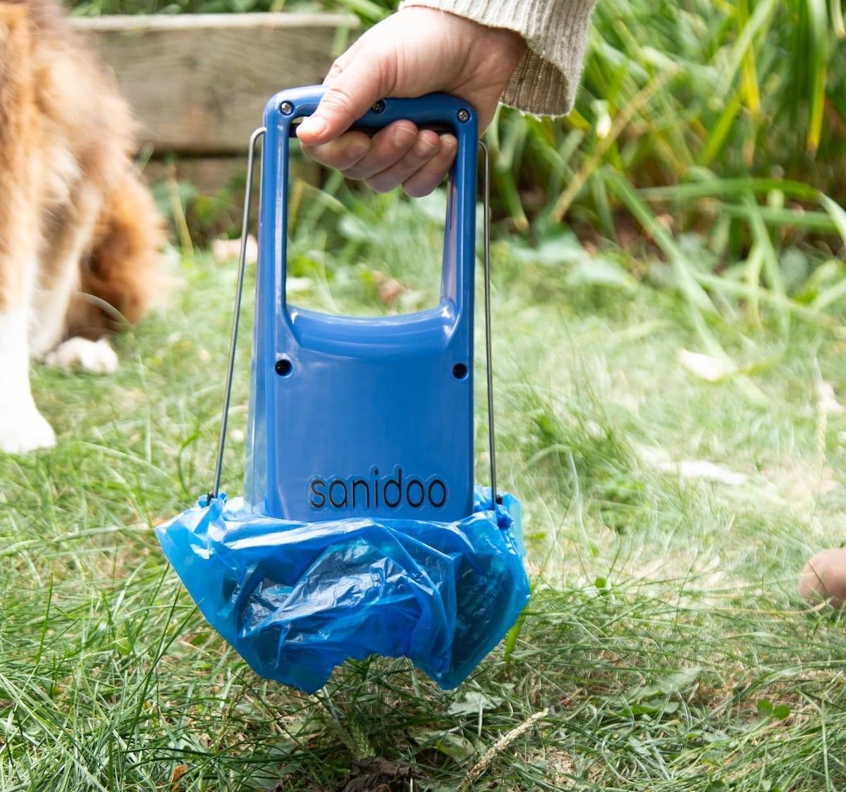 Sanidoo handheld pooper scooper ensures you can stop touching your pup's poo