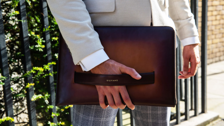 Silviano smart laptop sleeve can charge three devices at one time