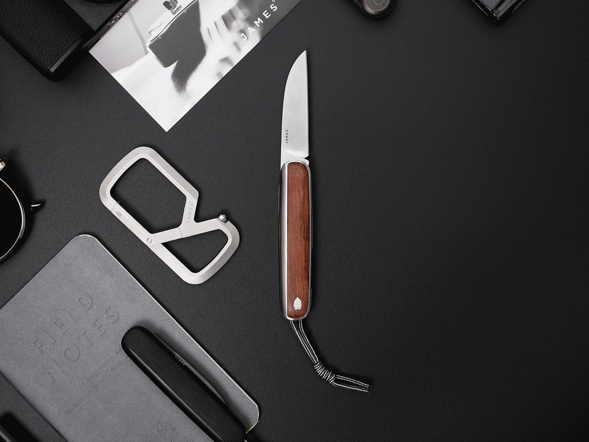 The James Brand Pike vintage-style pocket knife has a clean and simple design