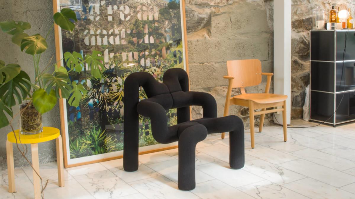 Varier Ekstrem postmodern chair offers an extraordinary sitting experience