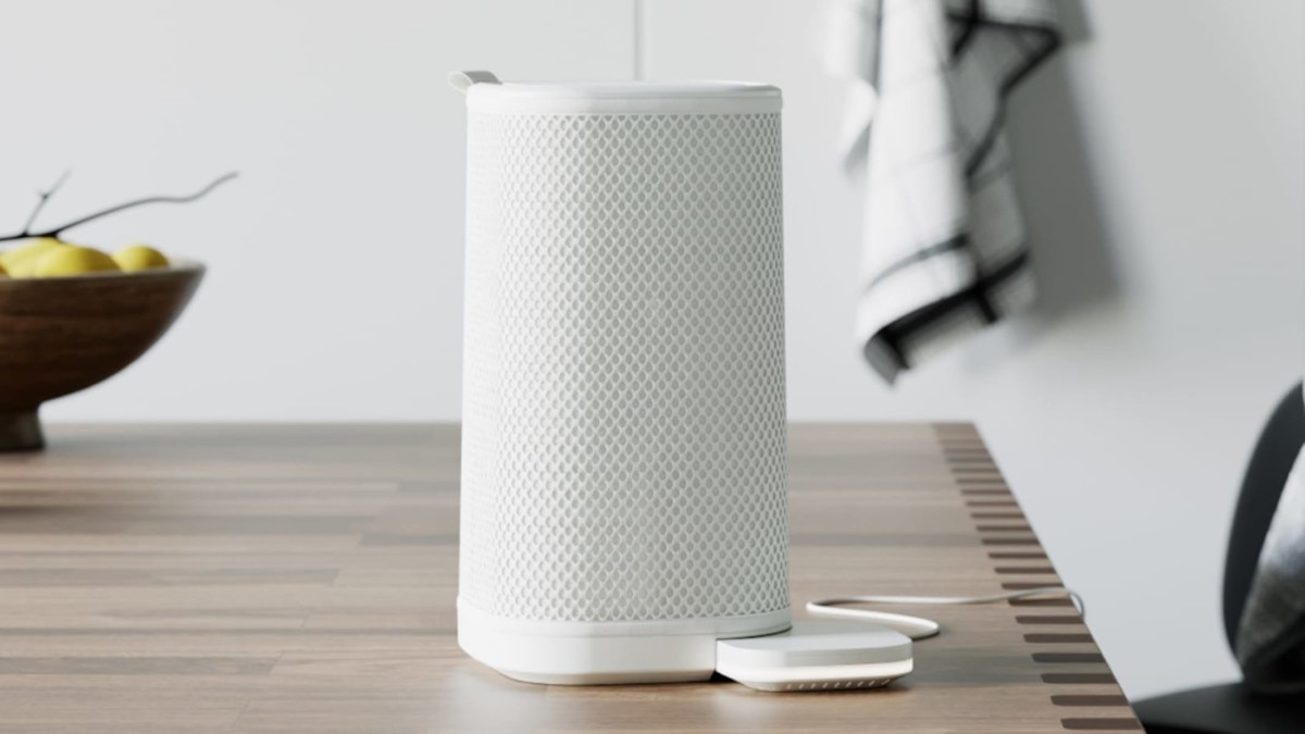 Vitesy Eteria filterless personal air purifier cleans your home's air