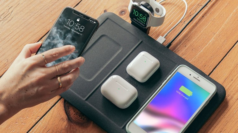 mophie 4-in-1 wireless charging mat powers up to five gadgets at once