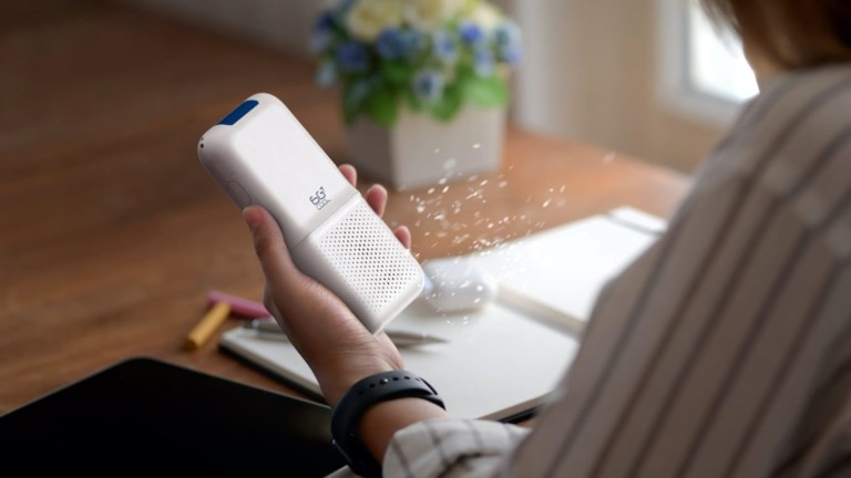 The 6GCool portable air purifier cleans 99% of common air pollutants