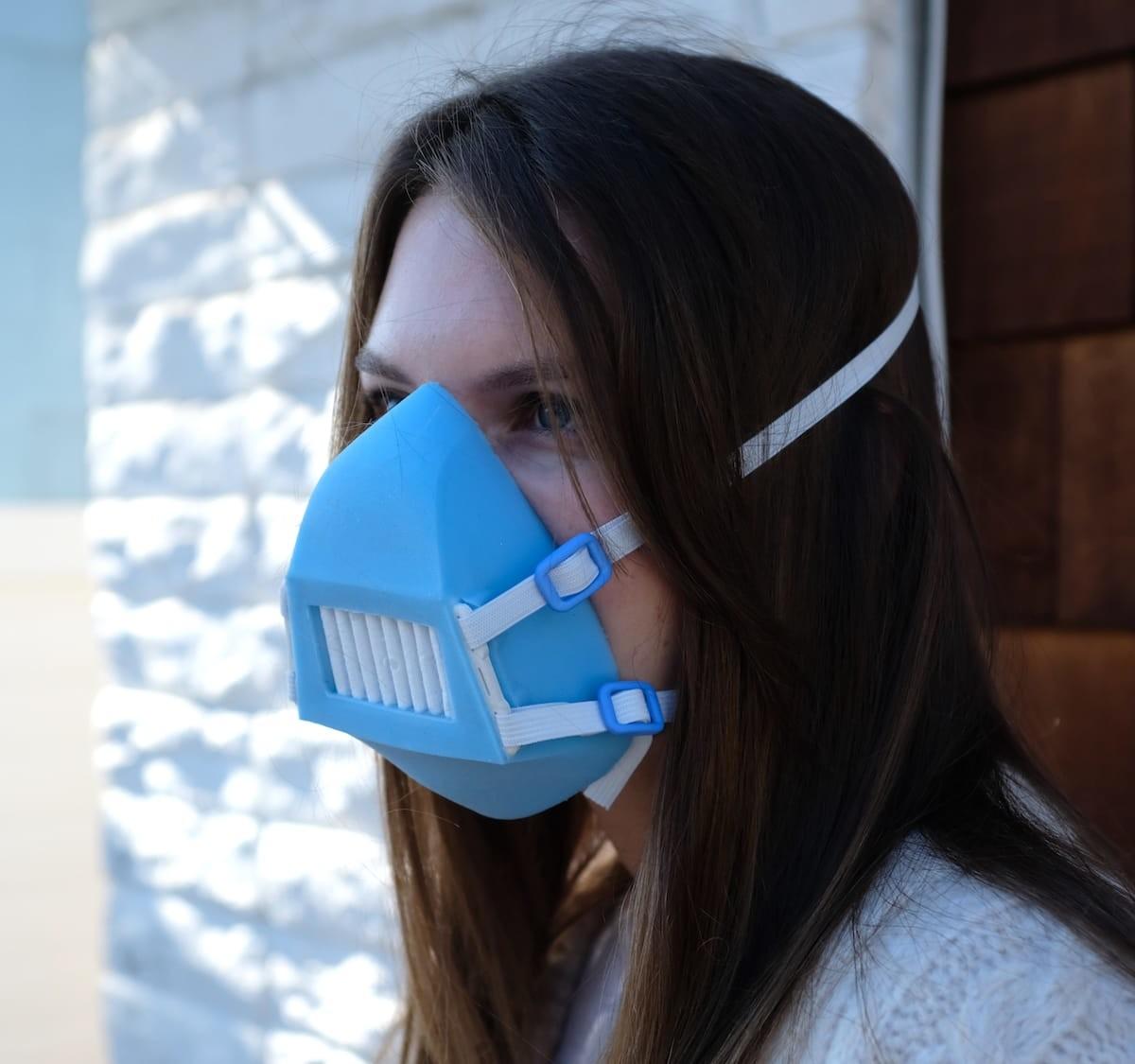 AKYOR SILKYOR active mask has UV-C, ultrasonic, and electrostatic features