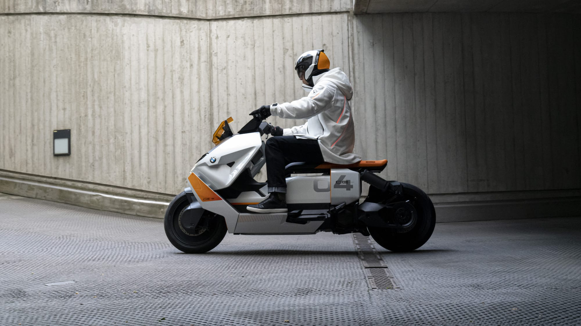 BMW Motorrad Definition CE 04 Sit-On eScooter