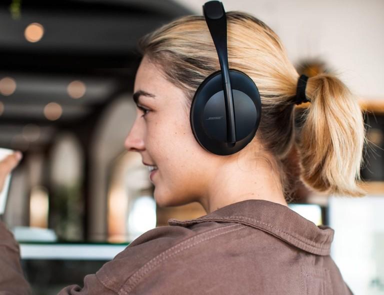 Bose Noise-Cancelling Headphones 700