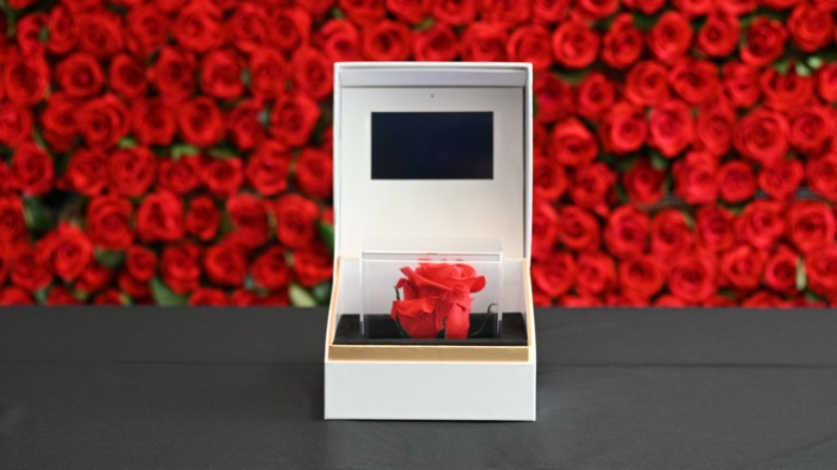 Empress Floral personalized forever rose gift box is a unique way to show your love