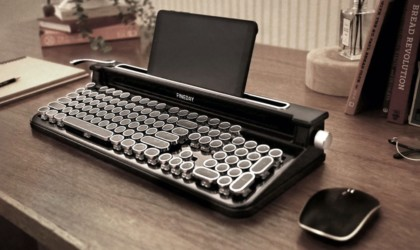 This typewriter keyboard will actually make you work faster