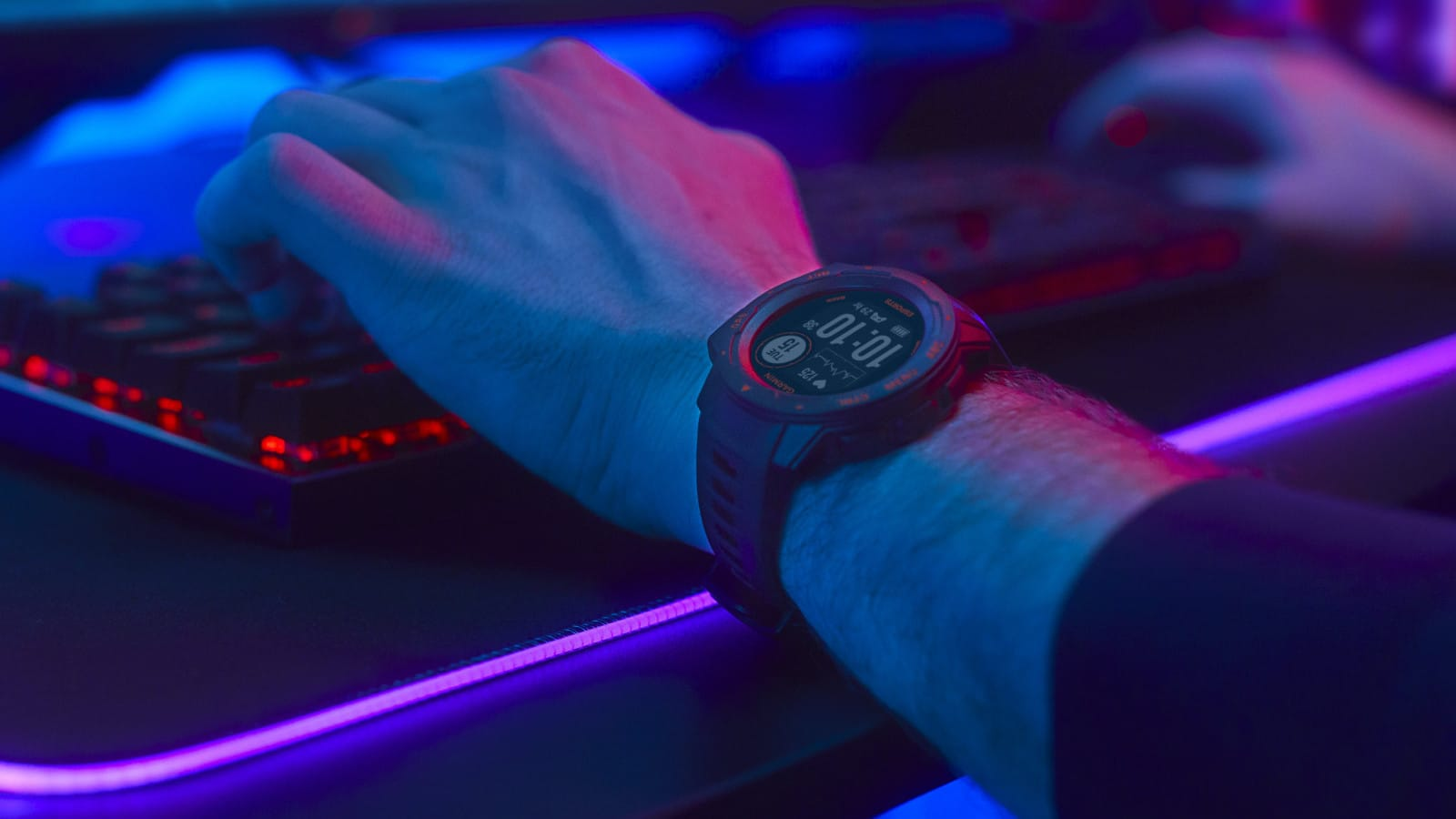 Garmin Instinct Esports Edition gaming smartwatch lasts for up to 14 days