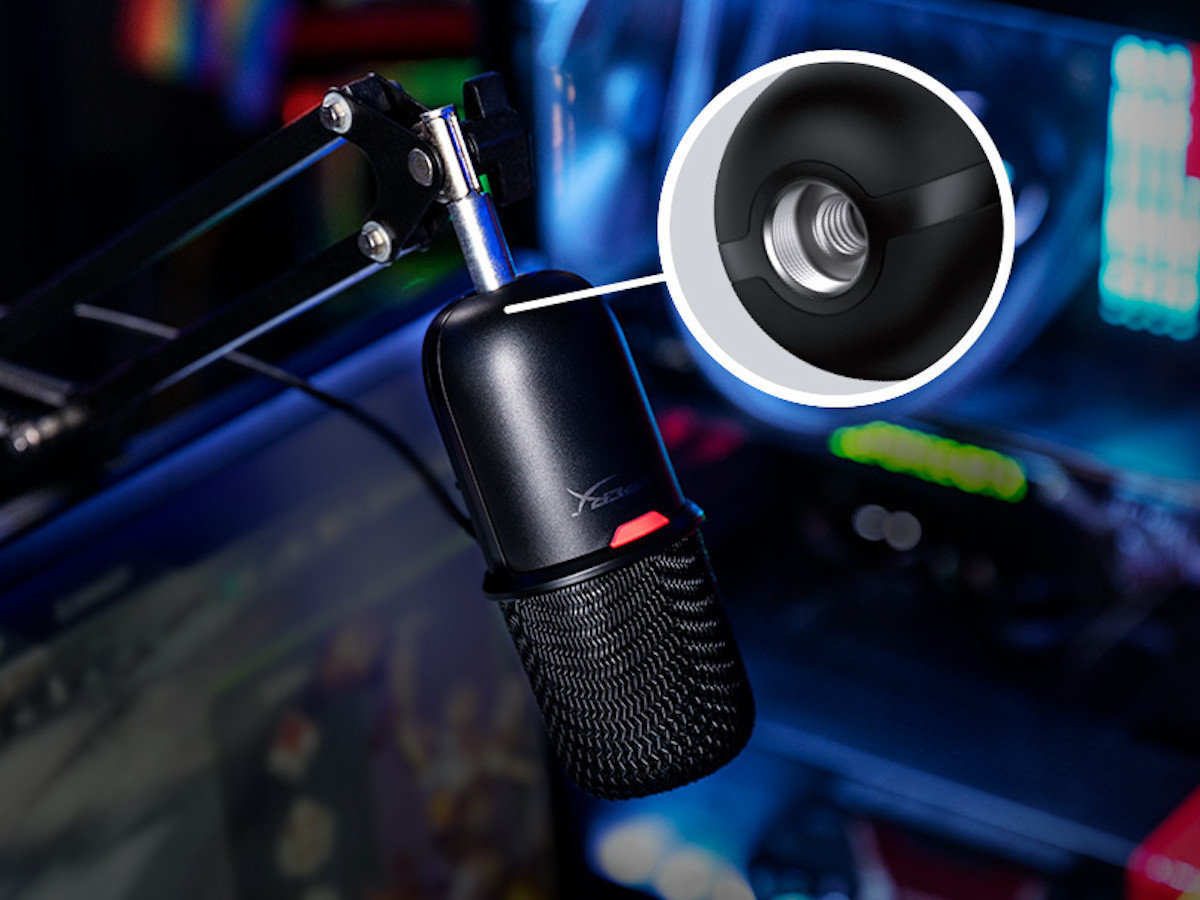 HyperX SoloCast USB gaming microphone prioritizes audio close up and not background noises