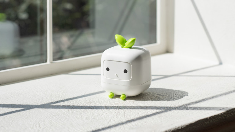 Kimparks Lab V-CUUB cute mini humidifier holds 400ml of water and adds moisture to the air