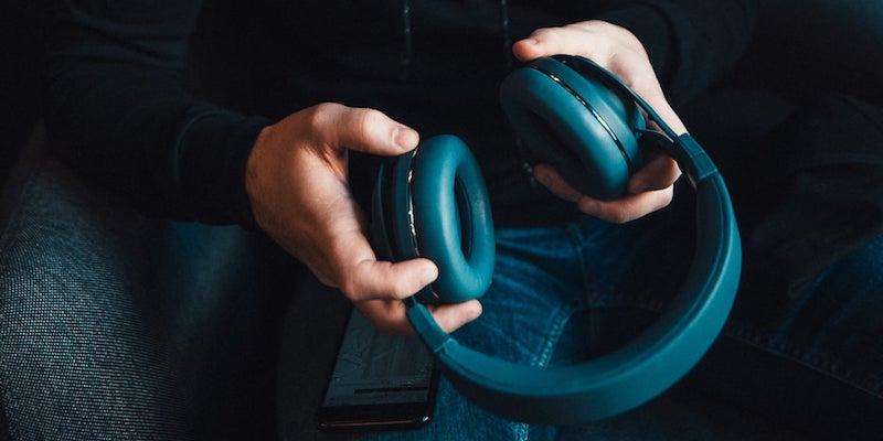Kygo A9/600 Bluetooth Over-Ear Headphones