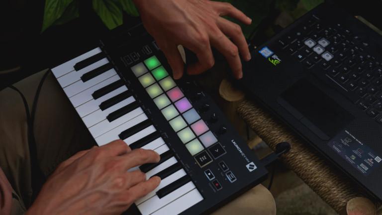 Launchkey Mini 25-Key Portable Keyboard