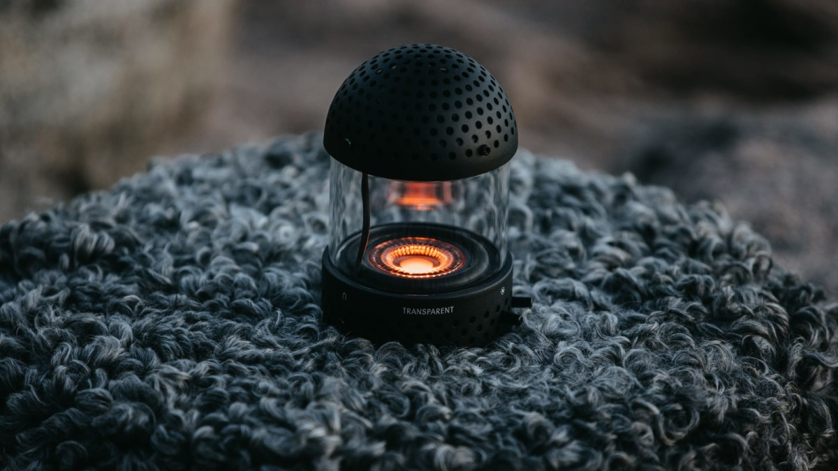 Light Speaker flamelike Bluetooth speaker combines the elements of sound and light