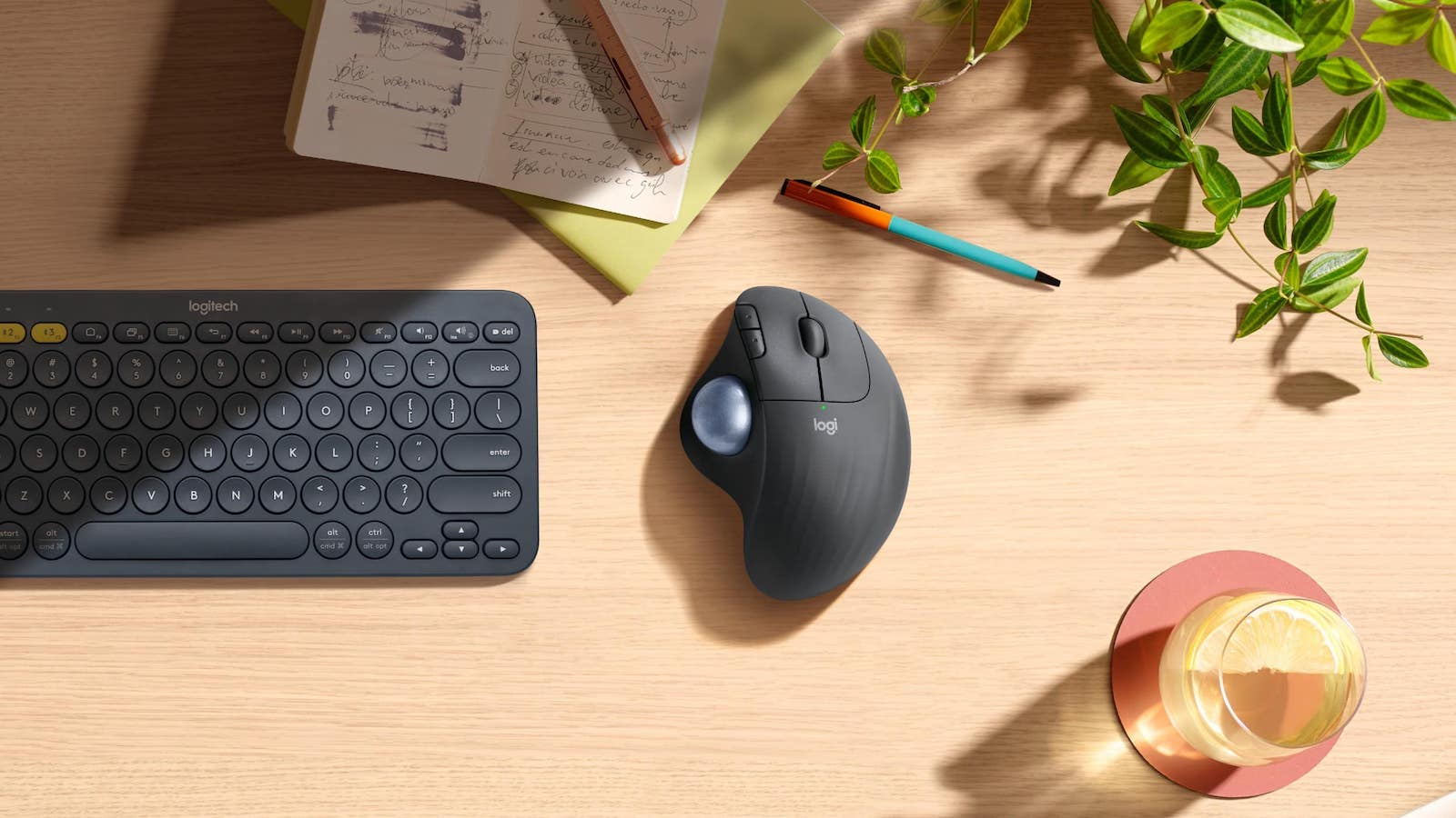 Logitech ERGO M575 wireless mouse has a trackball and an ergonomic shape