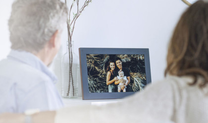 Meural WiFi Photo Frame Digital Picture Display