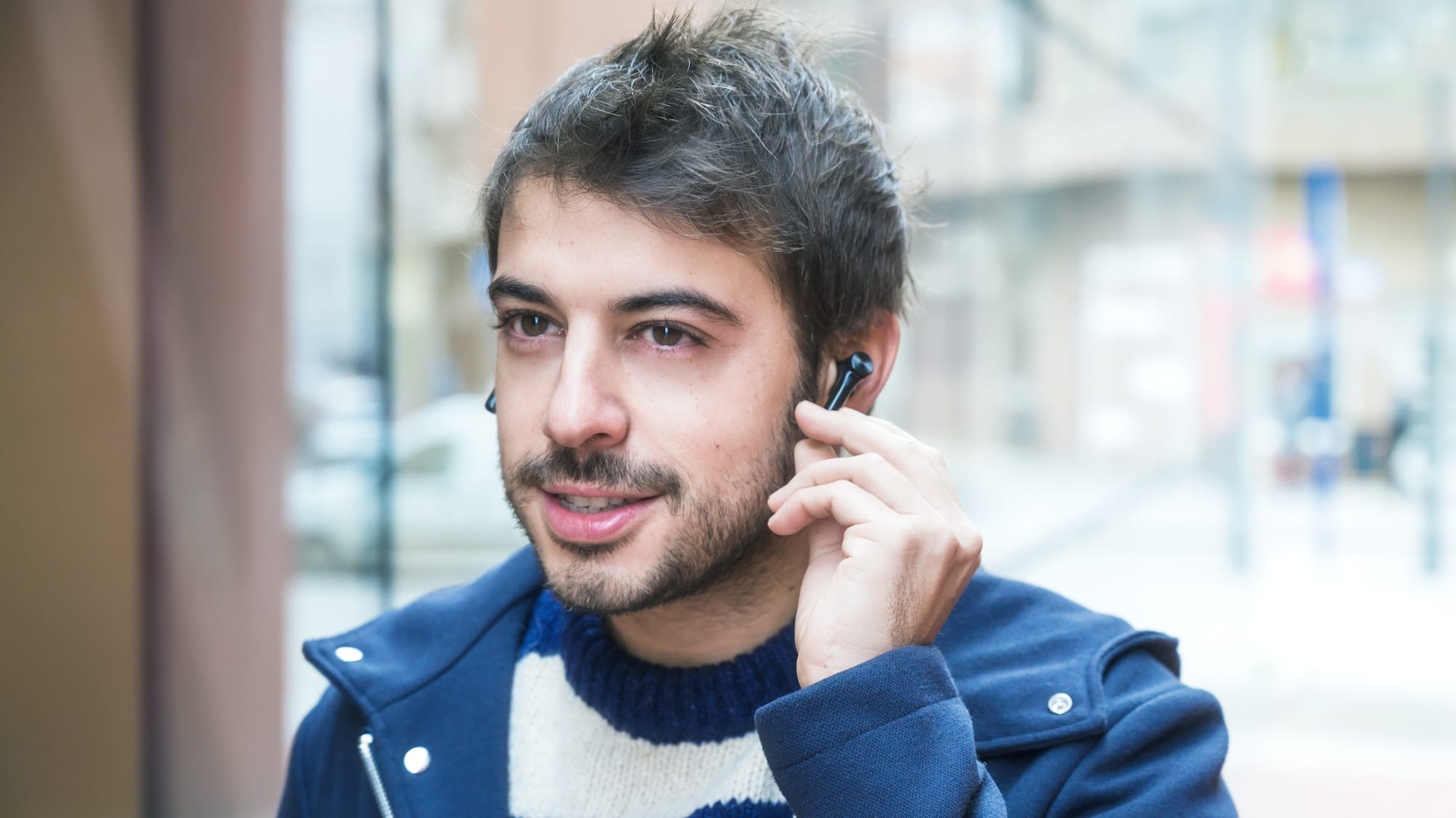 One 5 0 Bluetooth Wireless Earbuds Offer Noise