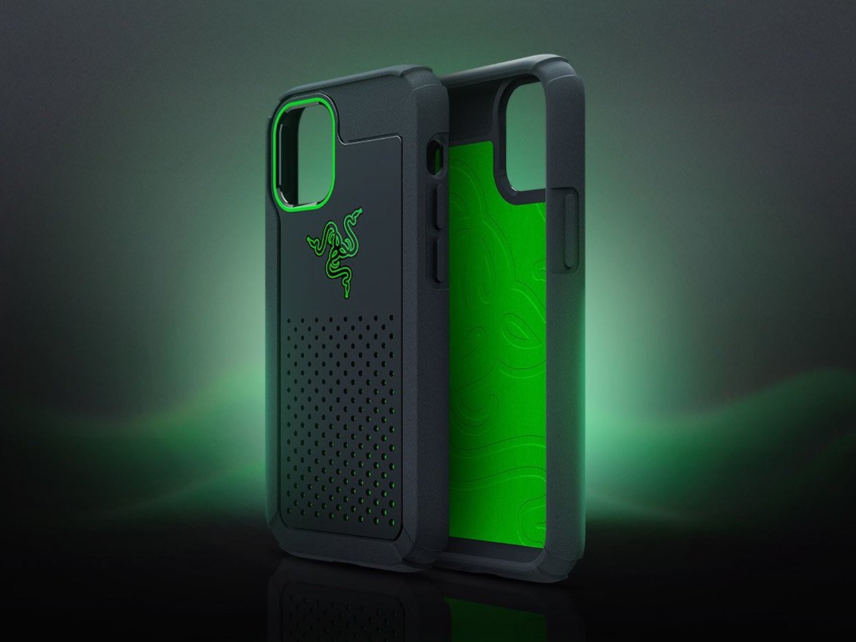 Razer Arctech Pro Case for iPhone 12 series features Thermaphene Cooling Technology