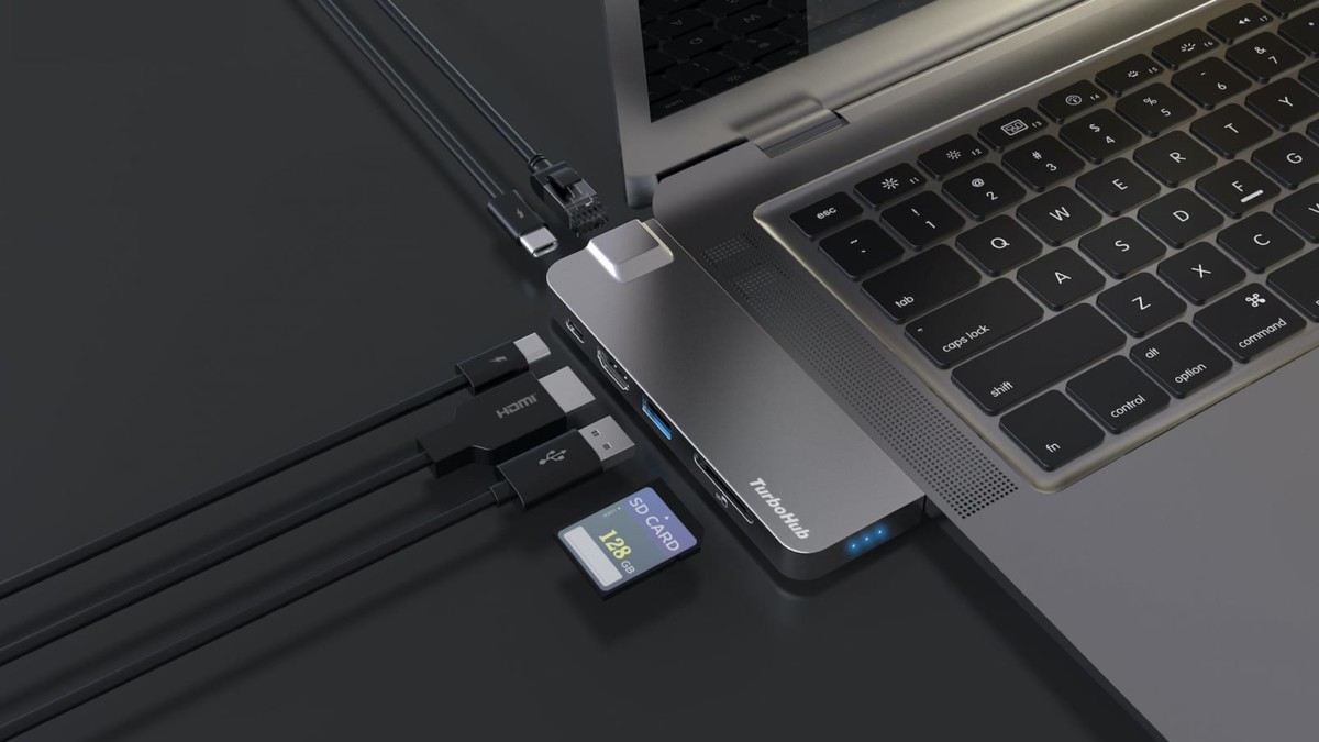 TurboHub fast SSD storage has a 6-in-1 expandable adapter