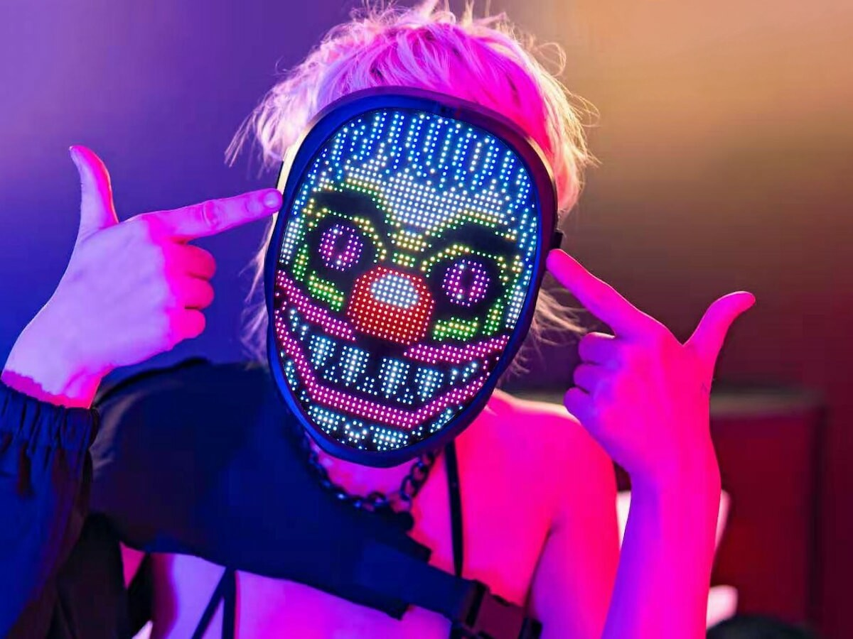 What's Your FACE customizable LED mask lets you become any character of your choice