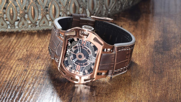 Wryst High End Watch SX2 men's timepiece has a new, unique style