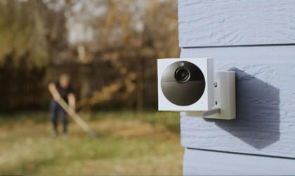 Wyze Outdoor Starter Bundle Weather-Resistant Camera