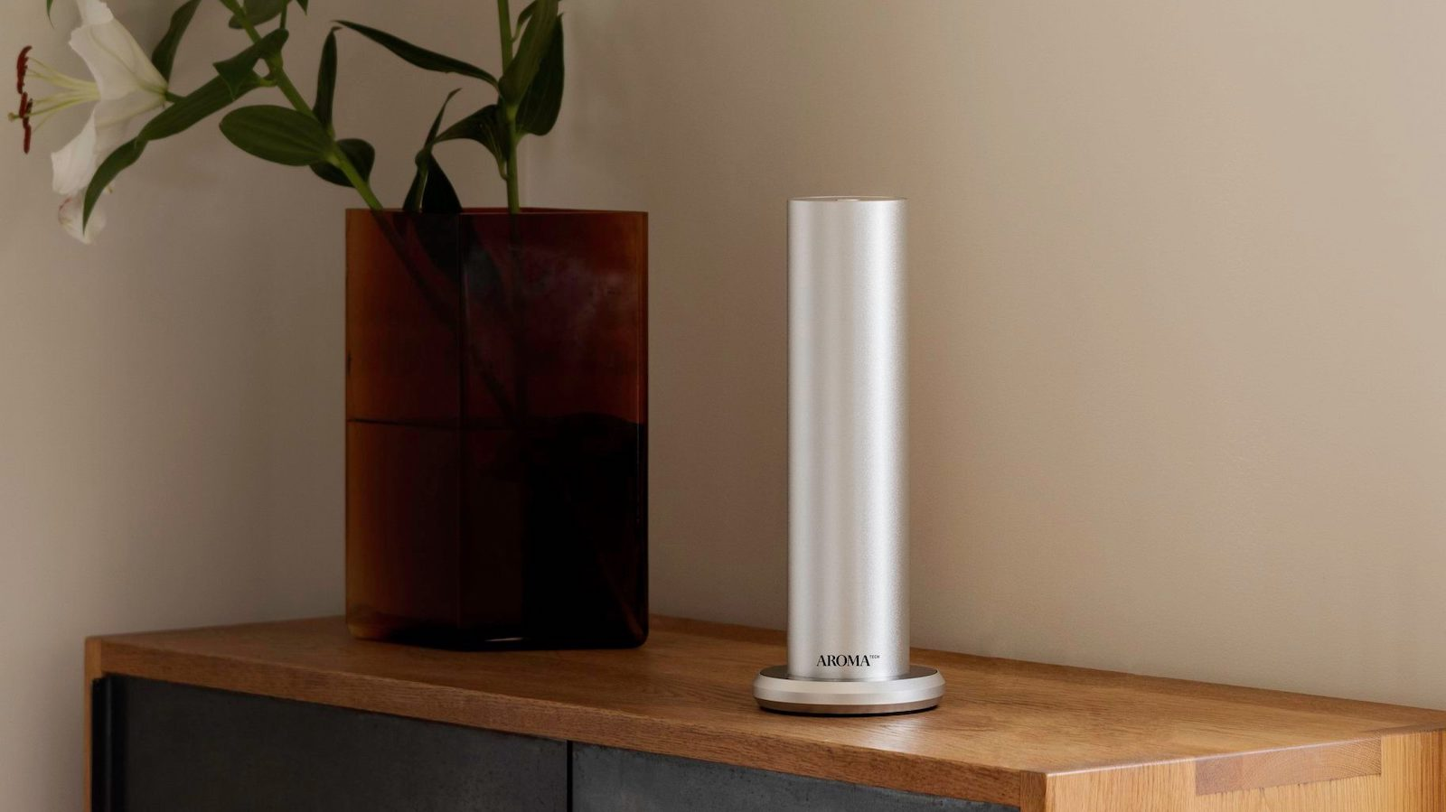 AromaTech BT home diffuser disperses essential oil molecules up to 1,000 square feet
