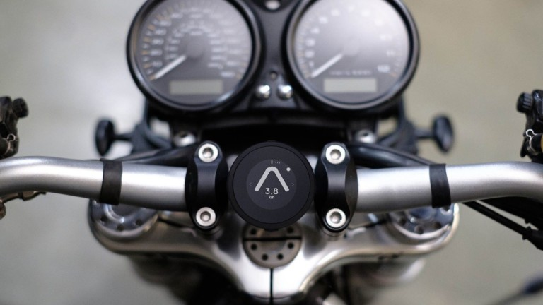 Beeline Moto sleek sat nav attaches to your bike to safely share the route