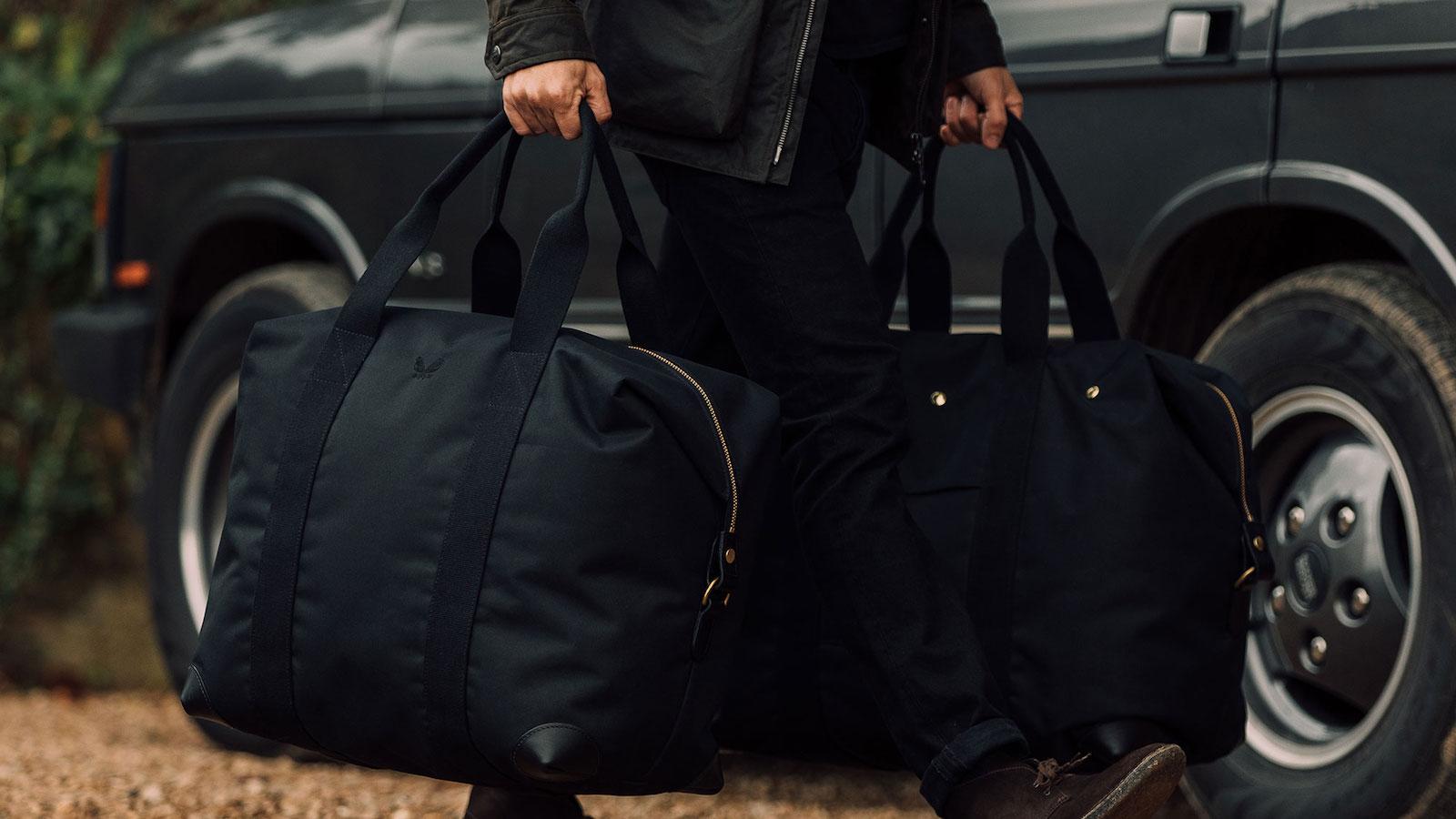 Bennett Winch The Cargo waterproof medium bag has a large capacity yet folds flat