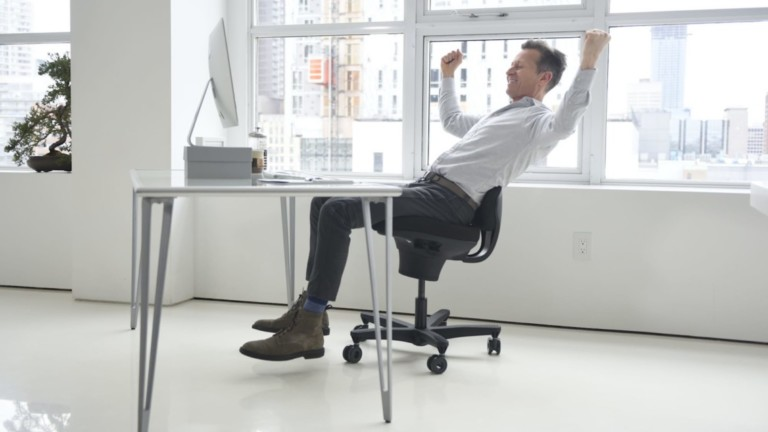 This revolutionary desk chair keeps you active and healthy
