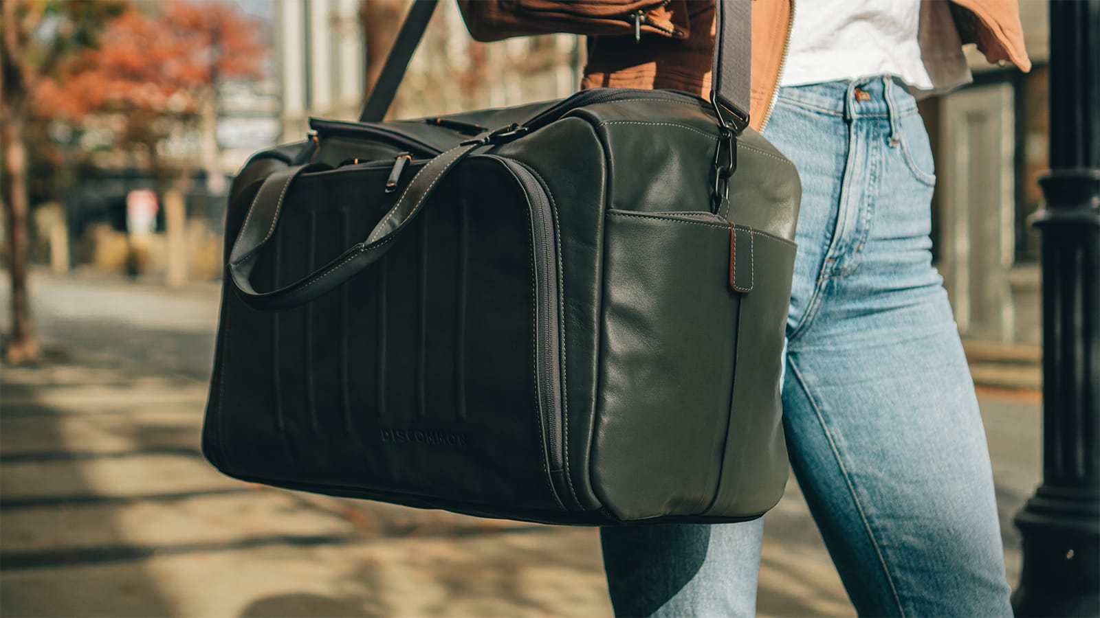Discommon The Weekender duffle bag has pockets in just the right places