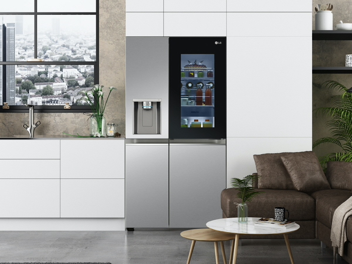 LG InstaView refrigerator 2021 series features voice recognition and enhanced cooling
