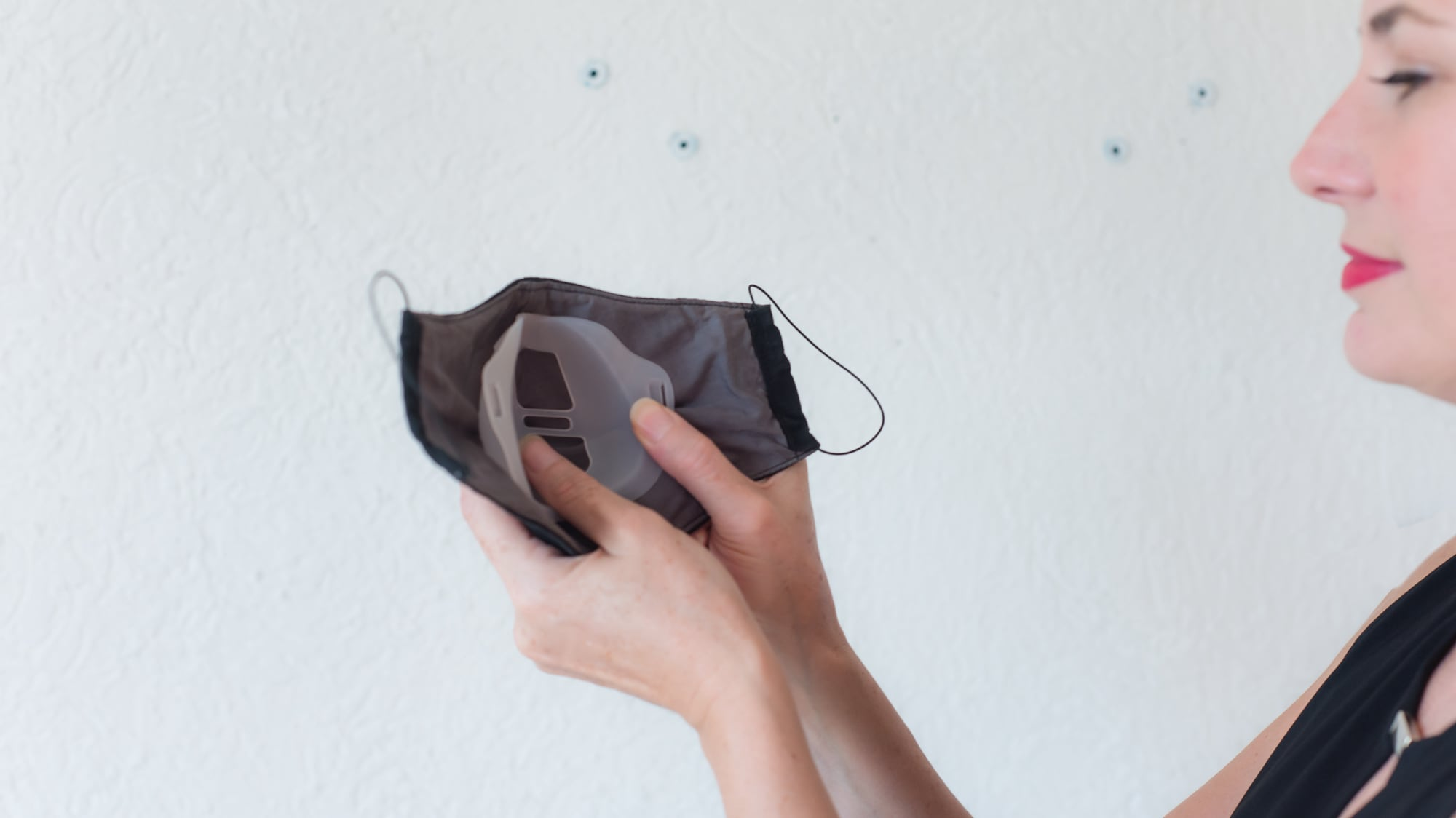 Mask Ally reusable mask holder prevents your glasses from steaming up