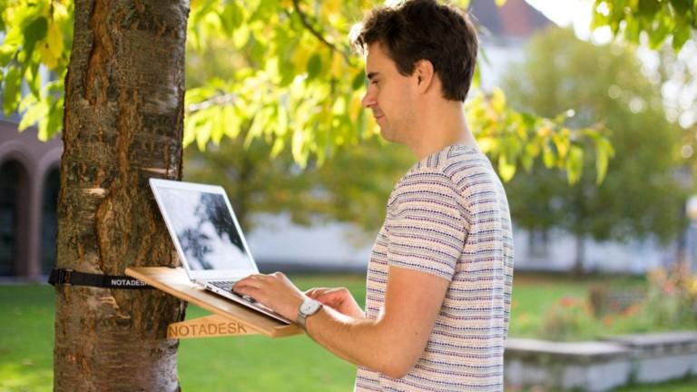 NOTADESK mobile standing desk