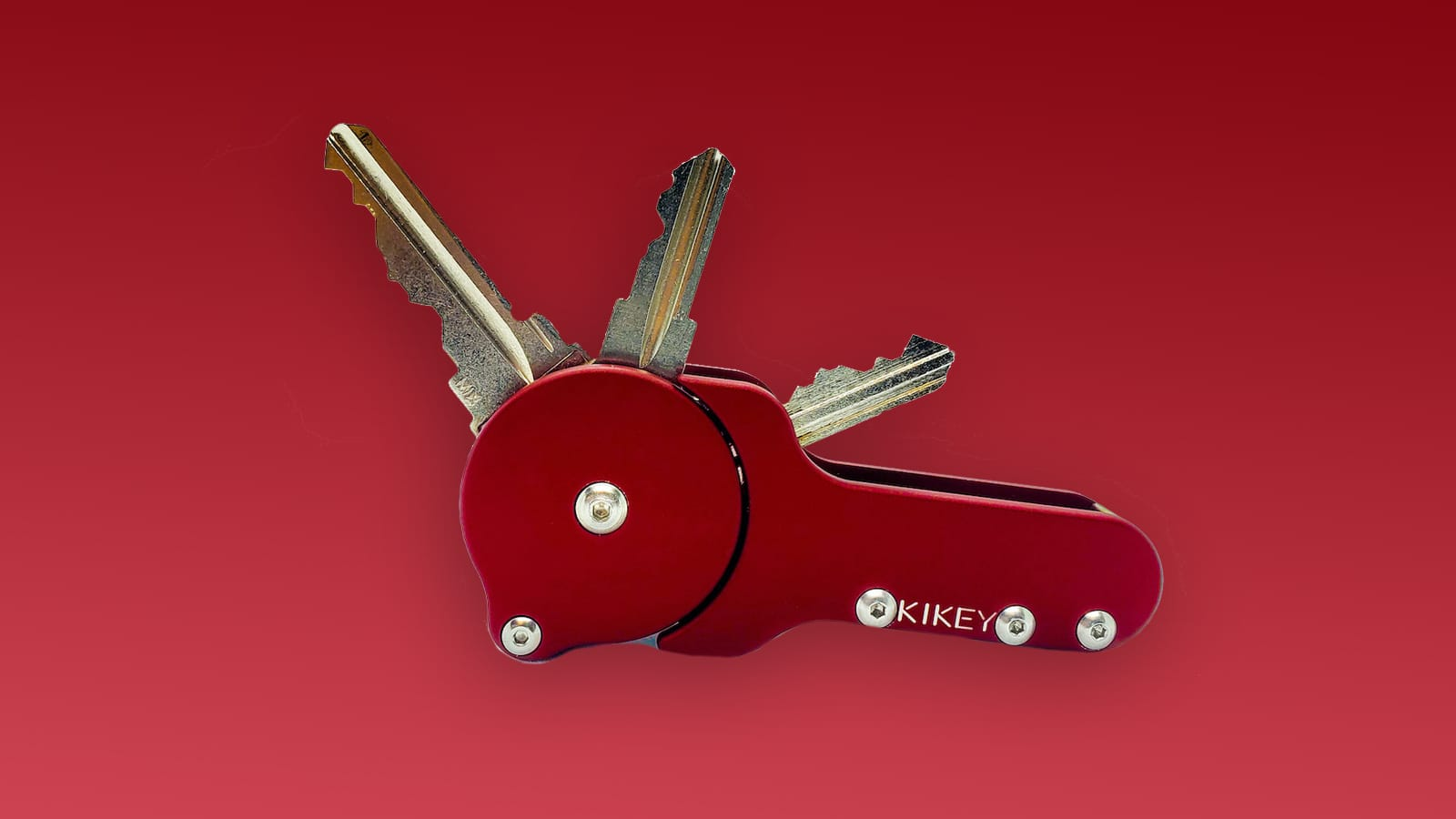 REELKEY key organizer opens easily with a swift flick of your finger